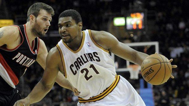 Andrew Bynum ještě v dresu Clevelandu Cavaliers.
