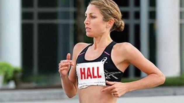 Sara Hallová, americká běžkyně.