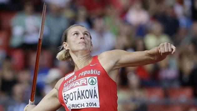 Oštěpařka Barbora Špotáková při kvalifikačním pokusu na ME v Curychu.