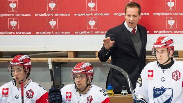 Hokejový kouč Antti Törmänen na střídačce.