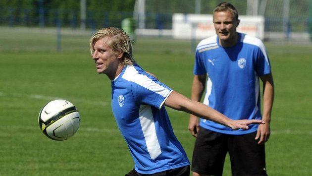 František Rajtoral (vpředu) a Petr Trapp na zahájení plzeňské letní přípravy.