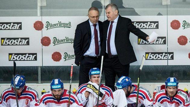 Trenér české reprezentace Vladimír Vůjtek (vpravo) a asistent Jiří Kalous během utkání Euro Hockey Challenge Česká republika - Německo.