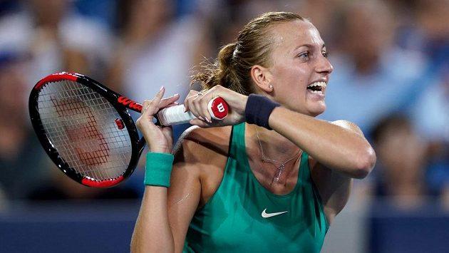 Petra Kvitová při utkání se Serenou Williamsovou.