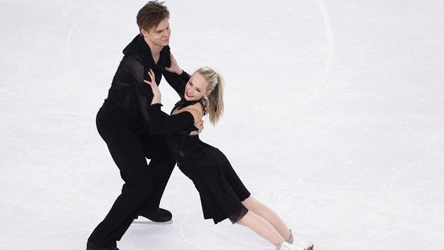 Talentovaný taneční pár Nicole Kuzmichová, Alexandr Sinicyn.