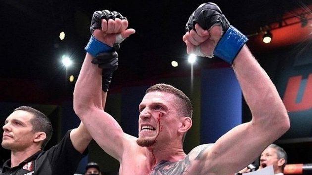 Je to tam! David Dvořák vyhrál i druhý zápas v UFC.
