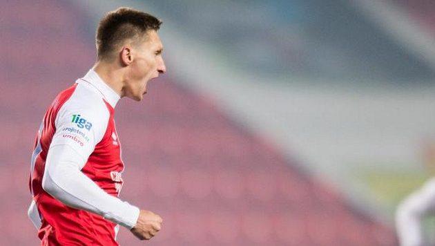 Slávista Milan Škoda oslavuje gól na 1:1 během utkání s Bohemians 1905.