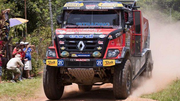 Kamión Renault roudnického týmu MKR Technology pilotovaný Nizozemcem Martinem van den Brinkem.
