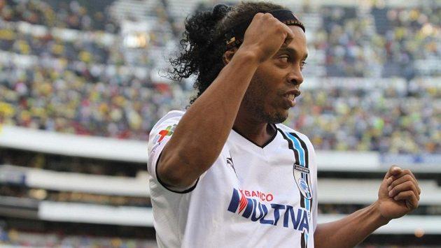 Slavný Brazilec Ronaldinho Gaúcho naposledy hrál za mexický celek Querétaro.