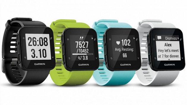 Sportovní hodinky Garmin Forerunner 35 jsou k mání v několika barvách. f4cbd534865