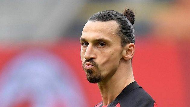 Zlatan Ibrahimovic z AC Milán při derby s Interem. Ilustrační foto.