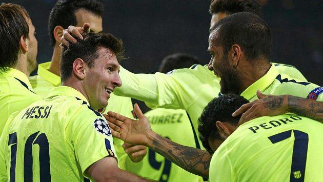 Fotbalistům Barcelony bude obránce Thomas Vermaelen chybět ještě další měsíce.