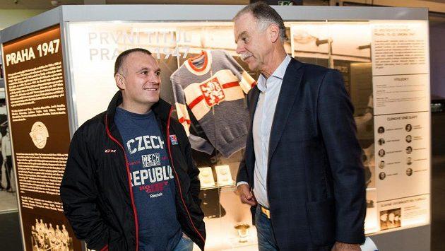 Trenér osmnáctky Robert Reichel (vlevo) a šéftrenér ČSLH Slavomír Lener.