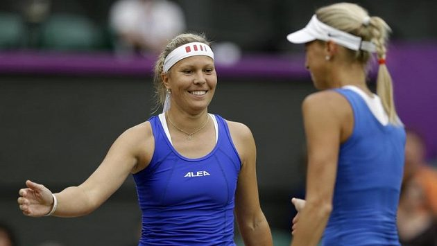 Lucie Hradecká (vlevo a Andrea Hlaváčková po úspěšném tažení olympijským turnajem spěchaly za oceán.