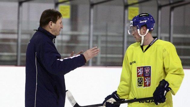 Trenér národního týmu Alois Hadamczik a Aleš Hemský na tréninku.