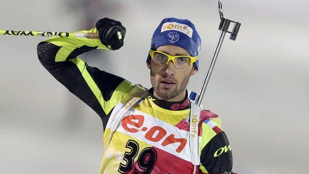Francouzský biatlonista Martin Fourcade oslavuje vítězství v sobotním závodu SP v Ruhpoldingu