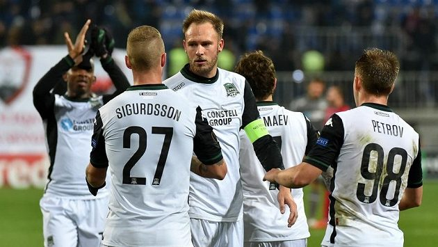 Andreas Granqvist (s páskou), švédský kapitán FC Krasnodar, je se Spartou spokojený.