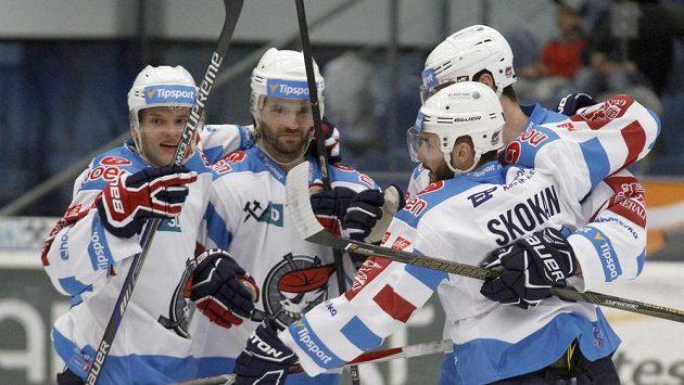 Radost chomutovských hokejistů z gólu.