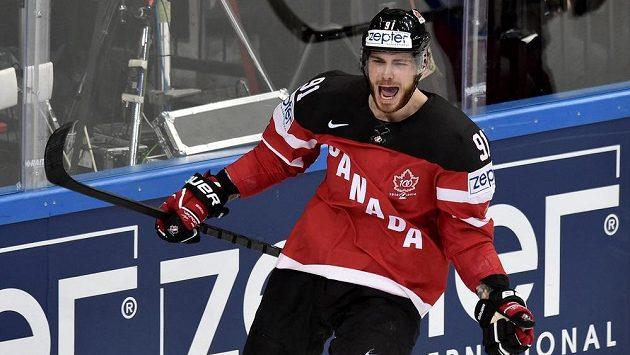 Kanadský útočník Tyler Seguin oslavuje svůj gól ve finále MS s Ruskem.