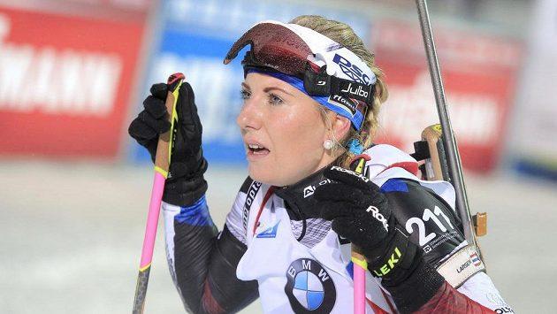 Lucie Charvátová v cíli sprintu v Novém Městě.