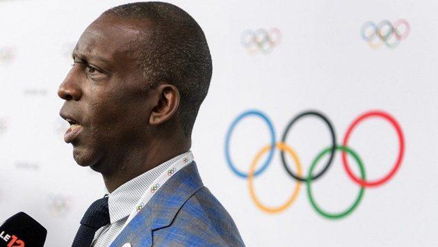 Americká atletická legenda Michael Johnson.