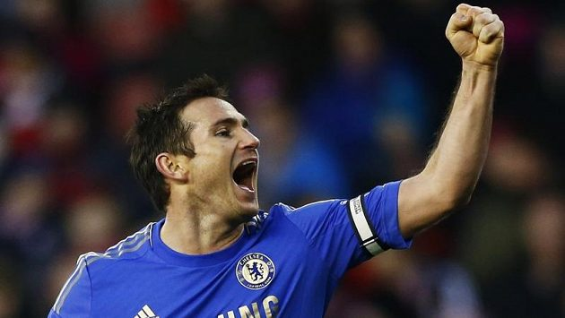 Frank Lampard v dresu londýnské Chelsea..