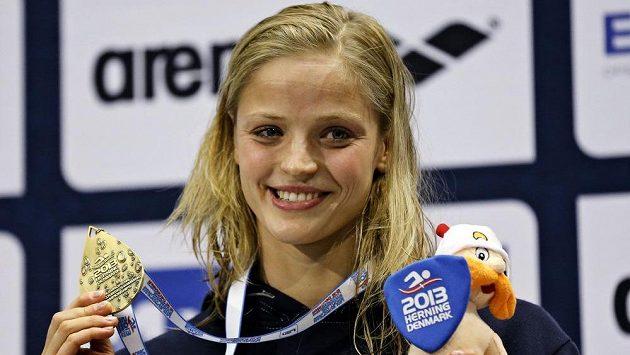 Simona Baumrtová se stala mistryní Evropy na znakařské trati 50 metrů.