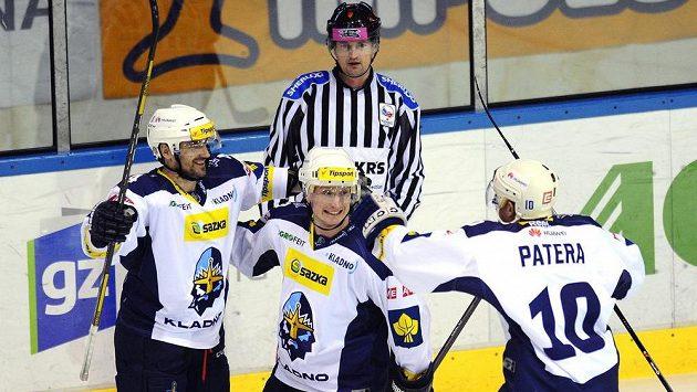 Hráči Kladna slaví, (zleva) Marek Černošek, Jiří Kuchler a Pavel Patera.
