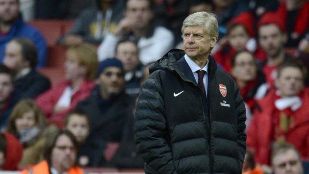 Zklamaný kouč Kanonýrů Arséne Wenger se pořád utěšuje tím, že může sezónu ještě zachránit. Teď mu už ovšem zbývá jen Liga mistrů.