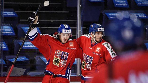 Tomáš Filippi (vlevo) se raduje z gólu proti Švédsku.