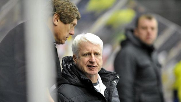 Trenéři Mladé Boleslavi František Výborný (vlevo) a Marian Jelínek.