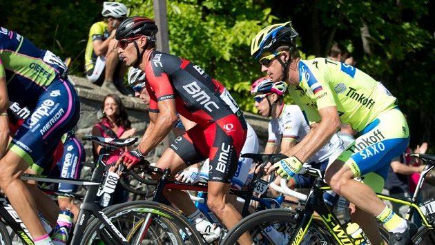 Australský cyklista Michael Rogers (vpravo).