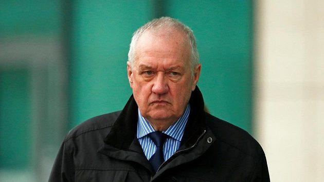 David Duckenfield, jenž na stadionu na severu Anglie odpovídal za policejní akci.