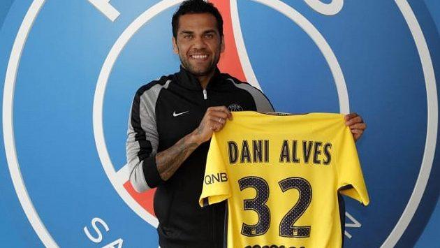 Dani Alves se upsal na dva roky Paris SG.