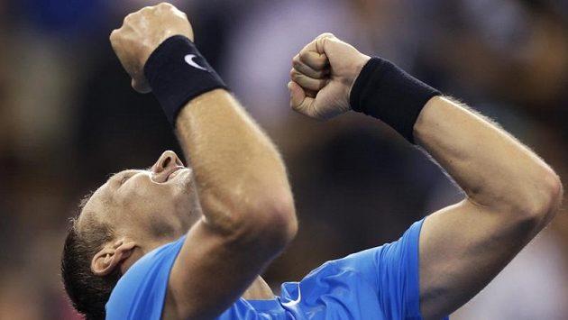 Hotovo! Tomáš Berdych je poprvé v kariéře v semifinále US Open.