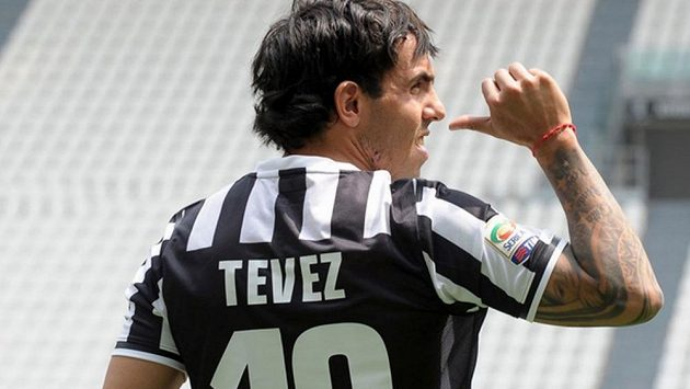 V Juventusu dostal Carlos Tévez symbolickou desítku, kterou před ním dlouhé roky nosil Alessandro Del Piero.