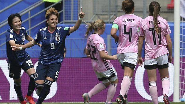 Ve druhém zápase na mistrovství světa už japonské fotbalistky splnily roli favoritek a Skotsko porazily 2:1.