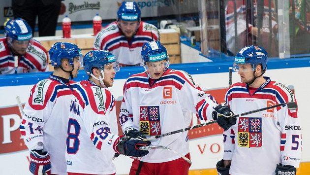 Čeští hokejisté (zleva) Tomáš Plekanec, David Pastrňák, Dominik Kubalík a Jakub Jeřábek.