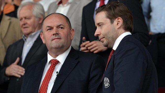 Dušan Svoboda (vpravo) ze Sparty a předseda FAČR Miroslav Pelta