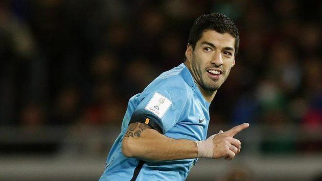 Luis Suárez se raduje z gólu proti Kuang-čou Evergrande.