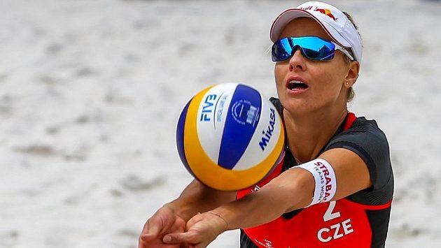 Česká plážová volejbalistka Markéta Nausch Sluková na turnajji Světového okruhu v Ostravě.