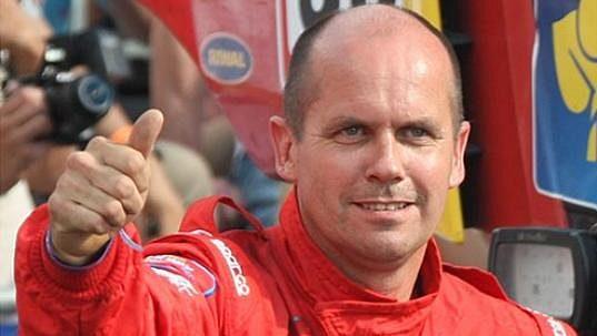 Dvaapadesátiletý řidič Frank Deenen z týmu Eurol VEKA Man Rally přišel o život ještě před startem Silk Way Rally.