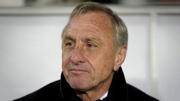 Bývalý slavný fotbalista Johan Cruyff skončil na lavičce katalánské reprezentace.