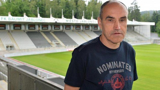 Nový trenér jabloneckých fotbalistů Václav Kotal zahájil ve čtvrtek se svými svěřenci přípravu na novou sezónu