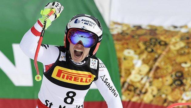 Radost rakouské lyžařky Nicole Schmidhoferové v cíli.