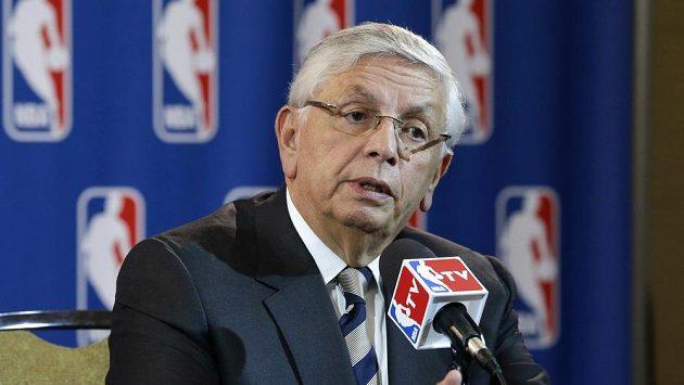 Bývalý dlouholetý komisionář NBA David Stern na snímku z roku 2013.