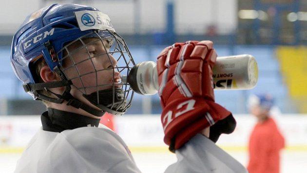 Český juniorský hokejový reprezentant Martin Nečas.