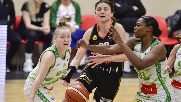 Eva Kopecká z KP Brno, Kateřina Zohnová z týmu Žabiny Brno a Gabrielle Alise Greenová z KP Brno.
