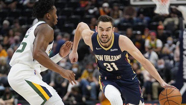 Český basketbalista Tomáš Satoranský poprvé v přípravě na novou sezonu NBA nastoupil v základní sestavě New Orleans.