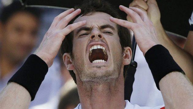 Rozčilený Andy Murray po prohře se Švýcarem Wawrinkou.