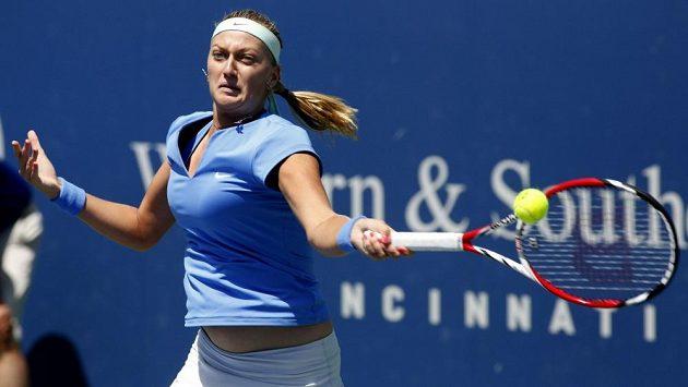 Česká tenistka Petra Kvitová v utkání s Novozélaďankou Erakovicovou na turnaji Cincinnati.
